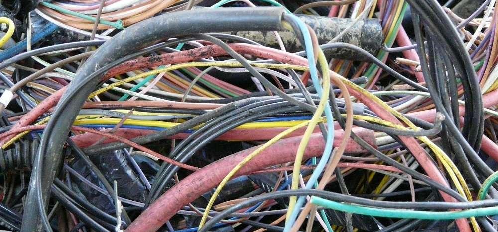 Rachat de c bles lectriques phenix recyclage - Plinthe pour cable electrique ...